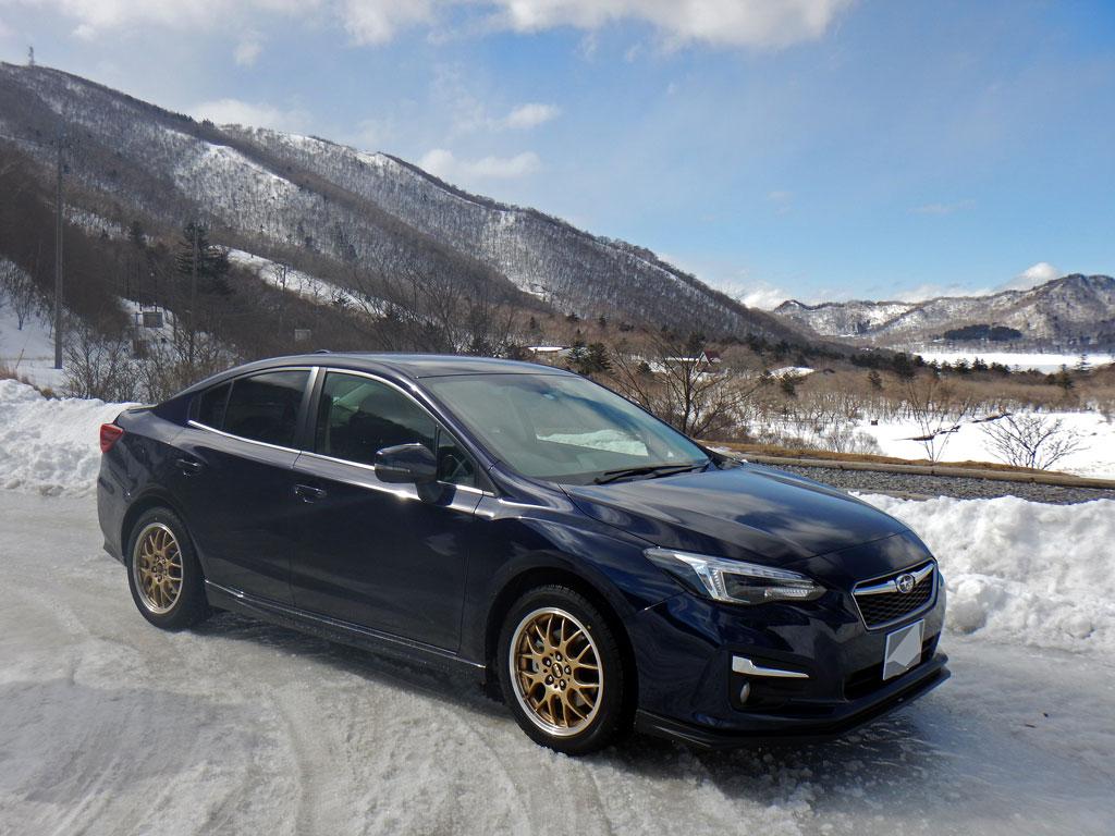 雪景色とインプレッサ